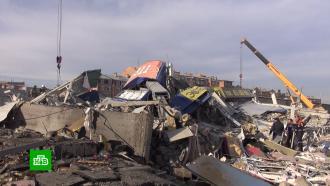 Взрыв во Владикавказе превратил супермаркет вгруду бетона иискореженного металла