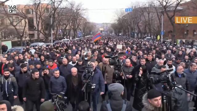 Волнения в Ереване.В Ереване проходят акции сторонников и противников премьер-министра Армении Никола Пашиняна.НТВ.Ru: новости, видео, программы телеканала НТВ