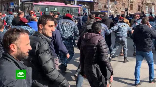 Оппозиция заявила осрыве заседания парламента Армении.Армения, митинги и протесты, оппозиция.НТВ.Ru: новости, видео, программы телеканала НТВ