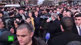 Армянская оппозиция заявила о начале «решающих дней».Лидер оппозиции Вазген Манукян заявил, что премьер-министр Никол Пашинян потеряет контроль над силовиками, если не сможет отправить в отставку главу генштаба Оника Гаспаряна.Армения, митинги и протесты.НТВ.Ru: новости, видео, программы телеканала НТВ