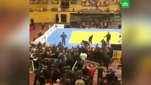 Массовая драка произошла на соревнованиях вДагестане