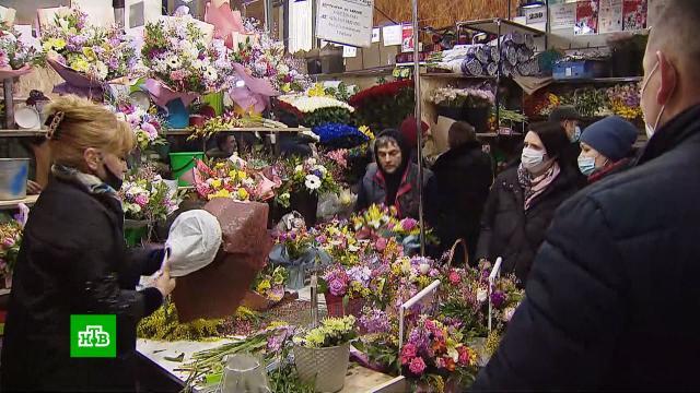 Цветы, концерты и праздничное настроение: российские женщины получают поздравления с 8 Марта.8 Марта, женщины, торжества и праздники, цветы, подарки.НТВ.Ru: новости, видео, программы телеканала НТВ