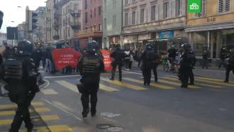 Полиция Цюриха разгоняла акцию феминисток слезоточивым газом