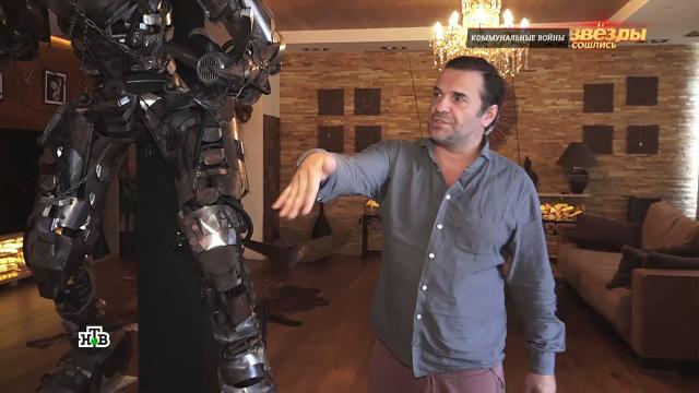 Актер Сергей Астахов купил пять квартир ипревратил их водин арт-объект.артисты, жилье, знаменитости, ипотека, кредиты, шоу-бизнес, эксклюзив.НТВ.Ru: новости, видео, программы телеканала НТВ