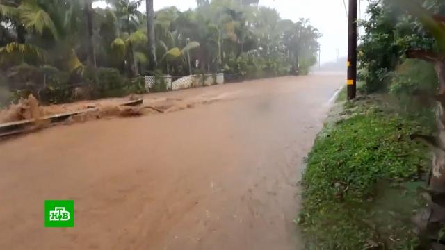 Из-за угрозы прорыва дамбы на Гавайях объявили эвакуацию.США, наводнения, эвакуация.НТВ.Ru: новости, видео, программы телеканала НТВ