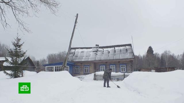 82-летний пенсионер не может оформить дом на границе двух областей.Калужская область, Тульская область, жилье, недвижимость, пенсионеры.НТВ.Ru: новости, видео, программы телеканала НТВ