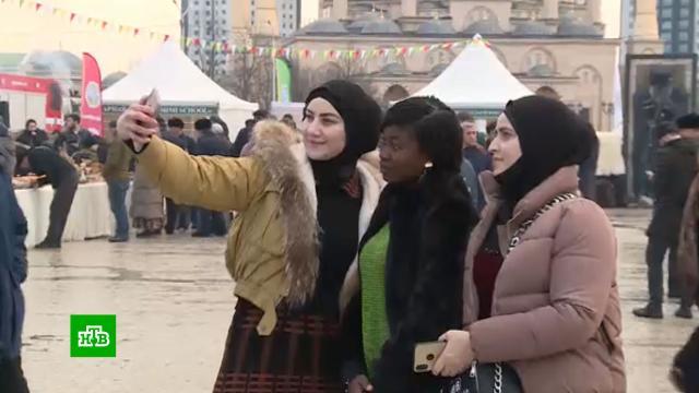 Чеченский телеканал взял на работу студентку из Африки
