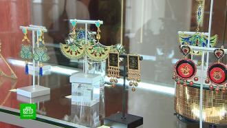 Российские мастера покоряют Павловский дворец лаковыми миниатюрами и фарфоровой вышивкой