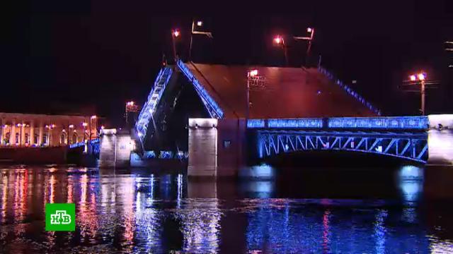 ВПетербурге открыли навигацию иначали разводить мосты