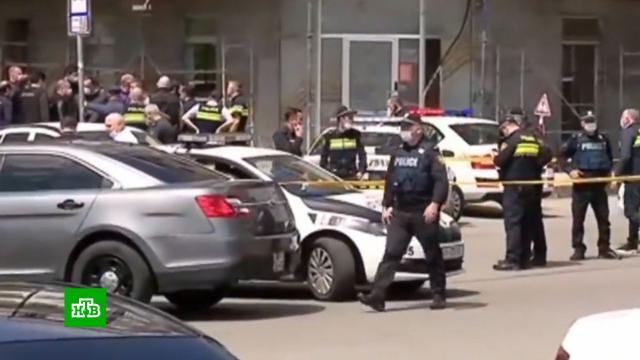 Захват заложников вбанке вТбилиси: вооруженный грабитель задержан.Грузия, банки, заложники, кражи и ограбления, нападения.НТВ.Ru: новости, видео, программы телеканала НТВ