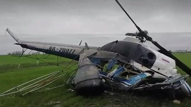 Ми-2 разбился во время сельхозработ на Кубани, пилот погиб.Вертолет совершил жесткую посадку в районе трассы Краснодар — Новороссийск.Краснодарский край, авиационные катастрофы и происшествия, вертолеты.НТВ.Ru: новости, видео, программы телеканала НТВ