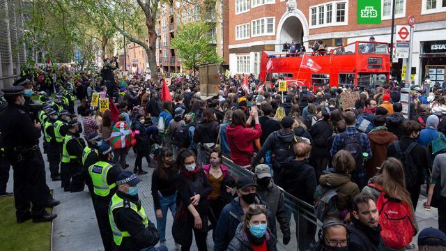 Девять человек задержаны вЛондоне на акции против расширения полномочий полиции.Великобритания, Германия, беспорядки, митинги и протесты.НТВ.Ru: новости, видео, программы телеканала НТВ
