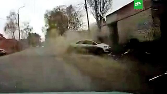 Водитель едва не убил пешехода иразбился насмерть одерево.Башкирия, ДТП.НТВ.Ru: новости, видео, программы телеканала НТВ