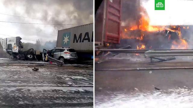 Два грузовика илегковушка столкнулись под Владимиром.НТВ.Ru: новости, видео, программы телеканала НТВ