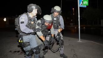 Ожесточенные столкновения в Восточном Иерусалиме сняли на видео