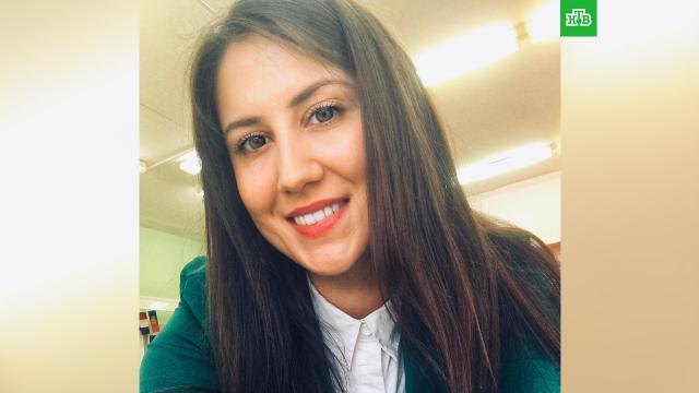 Погибшая в казанской школе учительница пыталась спасти ребенка.Учительница Эльвира Игнатьева, погибшая при стрельбе в школе Казани, пыталась спасти ученика, сообщил источник в правоохранительных органах.дети и подростки, Казань, стрельба.НТВ.Ru: новости, видео, программы телеканала НТВ