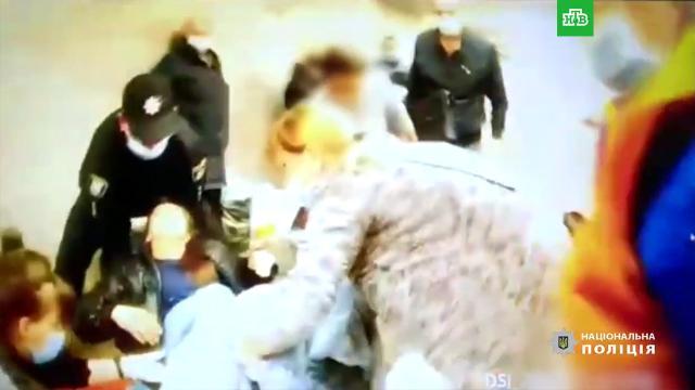 Пассажирка родила вкиевском метро.НТВ.Ru: новости, видео, программы телеканала НТВ