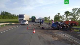 Четыре человека погибли вДТП с«КамАЗом» под Самарой