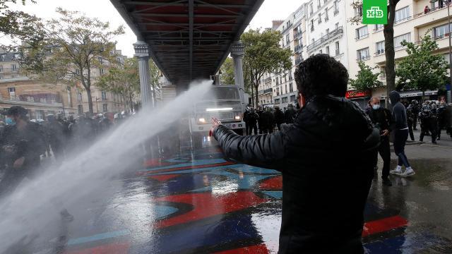 Полиция Парижа применила водометы на акции вподдержку Палестины.Израиль, Палестина, войны и вооруженные конфликты.НТВ.Ru: новости, видео, программы телеканала НТВ