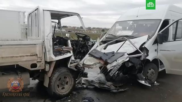 Автобус игрузовик столкнулись под Красноярском: 9человек пострадали.НТВ.Ru: новости, видео, программы телеканала НТВ
