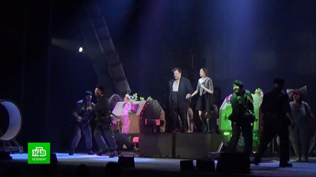 Театр комедии вПетербурге вернул на сцену старинный водевиль сновыми шутками