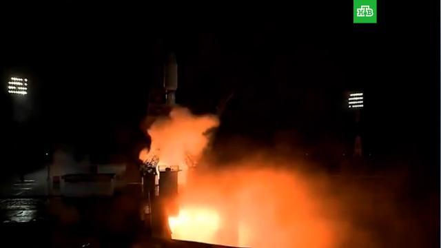Ракета «Союз» сбританскими спутниками стартовала скосмодрома Восточный.Роскосмос, космодром Восточный, космонавтика, космос, спутники.НТВ.Ru: новости, видео, программы телеканала НТВ