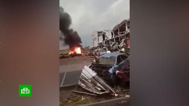 Мощный торнадо в Чехии: в разрушенных районах введен режим ЧС.Чехия, стихийные бедствия, штормы и ураганы.НТВ.Ru: новости, видео, программы телеканала НТВ