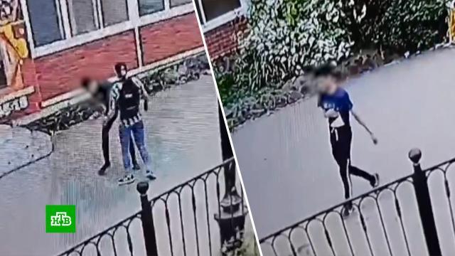 Девочка-подросток зарезала знакомого на глазах упрохожих вБратске.Иркутская область, дети и подростки, нападения, смерть, убийства и покушения.НТВ.Ru: новости, видео, программы телеканала НТВ