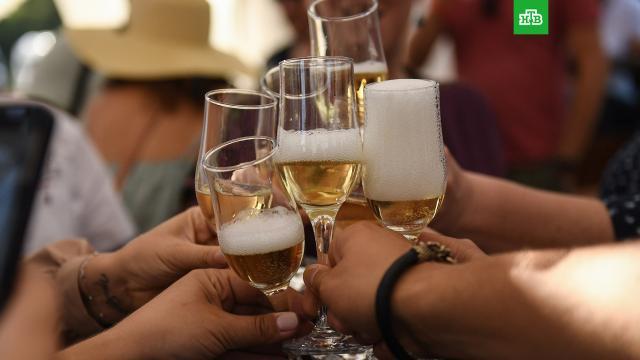 СМИ: Moet Hennessy приостановил поставки шампанского вРФ из-за нового закона.алкоголь, законодательство.НТВ.Ru: новости, видео, программы телеканала НТВ