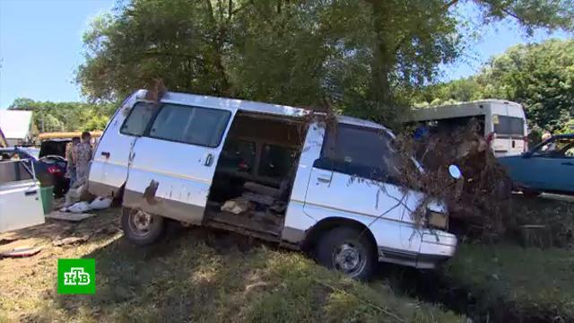 Пострадавшие от потопа жители Кубани получают деньги на ремонт домов ипокупку имущества