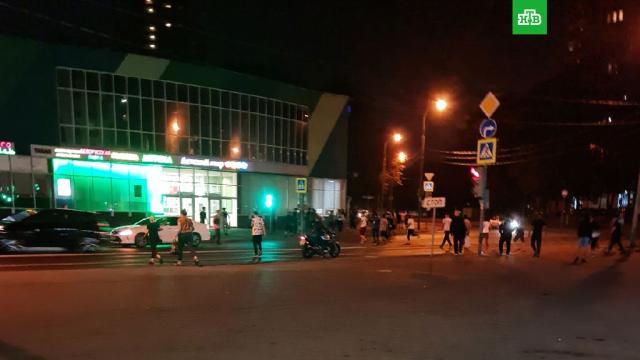 Десятки приезжих устроили массовую драку на юго-востоке Москвы.Москва, драки и избиения, мигранты, полиция.НТВ.Ru: новости, видео, программы телеканала НТВ