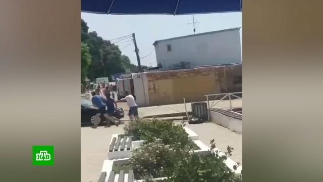 Неудачный розыгрыш: пранкеры «похитили» человека на пляже в Севастополе.Севастополь, пляжи.НТВ.Ru: новости, видео, программы телеканала НТВ