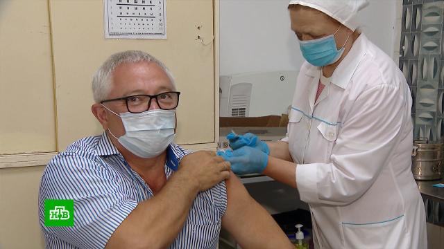 Десятки предприятий вМоскве организовали процесс вакцинации на производстве