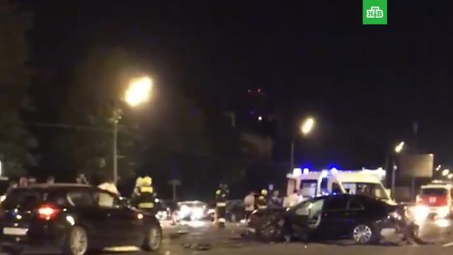 Вцентре Москвы на Кутузовском проспекте столкнулись 6машин.ДТП, Москва, автомобили.НТВ.Ru: новости, видео, программы телеканала НТВ