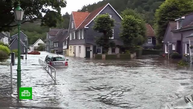 Мосты идороги ушли под воду: страшный потоп стал неожиданностью для Германии.Германия, железные дороги, наводнения, реки и озера, стихийные бедствия.НТВ.Ru: новости, видео, программы телеканала НТВ