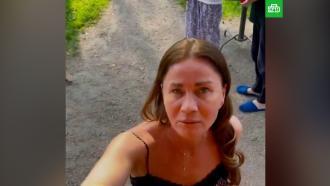 «Она истеричка»: муж избившей сына Пьехи женщины выгнал ее из дома