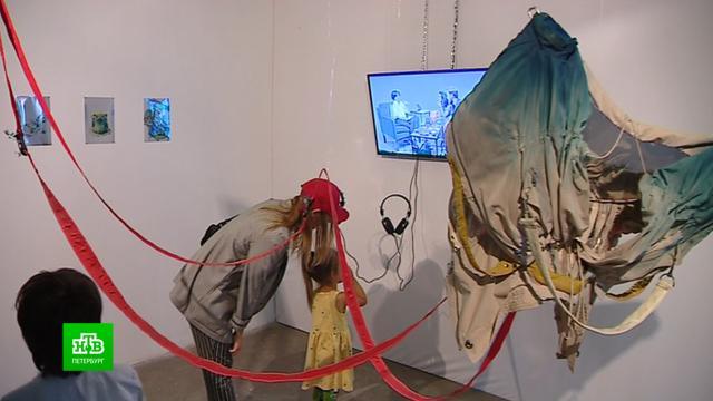 Все оттенки тела и технологий представлены на выставке современного искусства в Петербурге.Санкт-Петербург, выставки и музеи, искусство.НТВ.Ru: новости, видео, программы телеканала НТВ