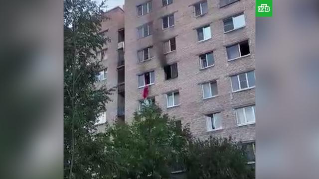 Петербурженка выпрыгнула из окна горящей квартиры ипогибла.Санкт-Петербург, пожары.НТВ.Ru: новости, видео, программы телеканала НТВ