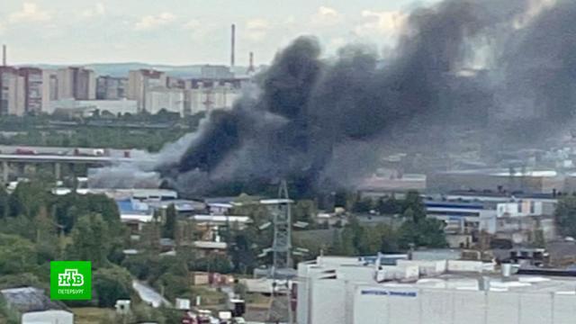 С огнем в питерской промзоне справились за несколько часов.Санкт-Петербург, пожары.НТВ.Ru: новости, видео, программы телеканала НТВ