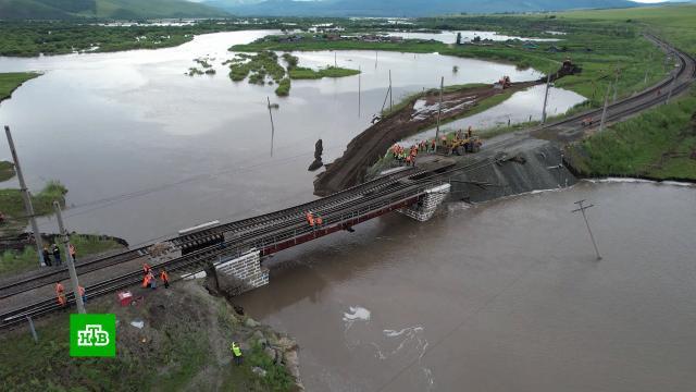 ВЗабайкалье начали восстанавливать обрушенный мост на Транссибе.Транссиб, железные дороги, поезда.НТВ.Ru: новости, видео, программы телеканала НТВ