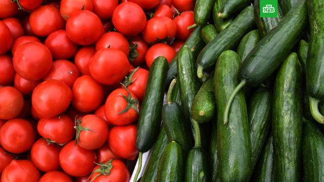 Врач назвала полезные в жару продукты.Диетолог Фатима Бранко рассказала, употребление каких продуктов поможет снизить влияние высоких температур на организм.еда, жара, здоровье, продукты.НТВ.Ru: новости, видео, программы телеканала НТВ