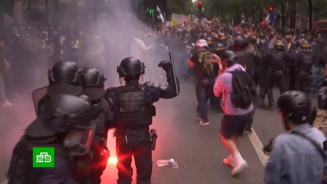 На акции против «ковид-паспортов» во Франции вышли более 200 тыс. человек.Франция, беспорядки, коронавирус, митинги и протесты.НТВ.Ru: новости, видео, программы телеканала НТВ