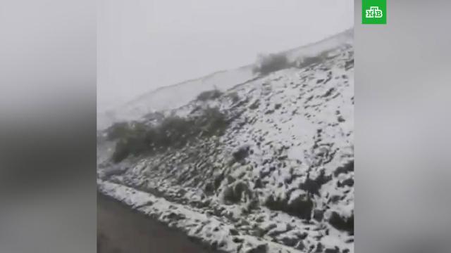 Летний снег снова выпал вМагаданской области.Магаданская область, лето, погодные аномалии, снег.НТВ.Ru: новости, видео, программы телеканала НТВ