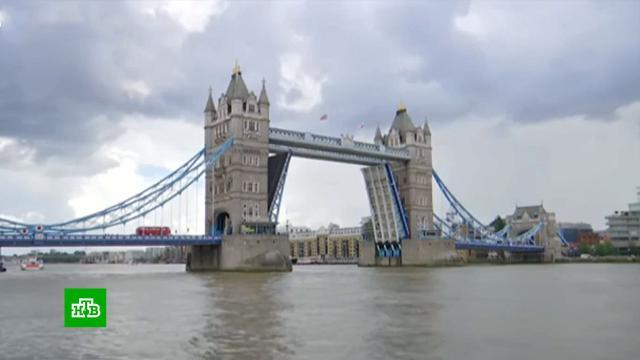В Лондоне случился транспортный коллапс из-за поломки разводного Тауэрского моста.Великобритания, Лондон, дорожное движение, мосты.НТВ.Ru: новости, видео, программы телеканала НТВ