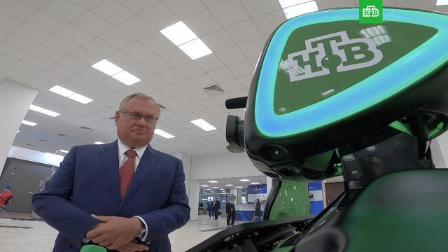 Андроид НТВ спросил главу ВТБ о работающих в банке коллегах-роботах.ВТБ, интервью, роботы, экономика и бизнес, эксклюзив.НТВ.Ru: новости, видео, программы телеканала НТВ