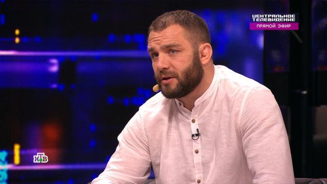 Остановивший побоище мигрантов боец MMA дал совет на случай уличной драки.Москва, драки и избиения, эксклюзив.НТВ.Ru: новости, видео, программы телеканала НТВ