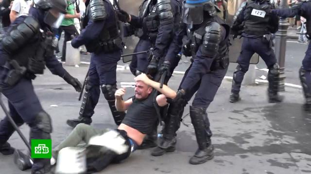 Противники «ковид-паспортов» устроили бои с полицией по всей Европе.Австрия, Греция, Испания, Франция, беспорядки, митинги и протесты, прививки.НТВ.Ru: новости, видео, программы телеканала НТВ