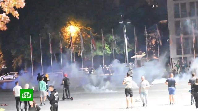 Противники карантина устроили столкновения сполицией вСловении.Словения, беспорядки, карантин, коронавирус, митинги и протесты, полиция, эпидемия.НТВ.Ru: новости, видео, программы телеканала НТВ