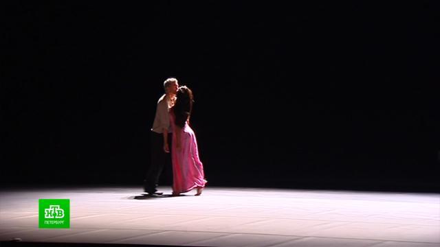 Театр Пины Бауш показывает петербуржцам один из лучших спектаклей знаменитой танцовщицы.Германия, Санкт-Петербург, балет, театр.НТВ.Ru: новости, видео, программы телеканала НТВ