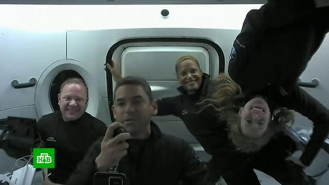 Первый полностью гражданский экипаж вернулся из космоса.Илон Маск, космонавтика, космос.НТВ.Ru: новости, видео, программы телеканала НТВ